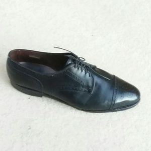 ALLEN EDMONDS Clifton Black Oxford Shoe